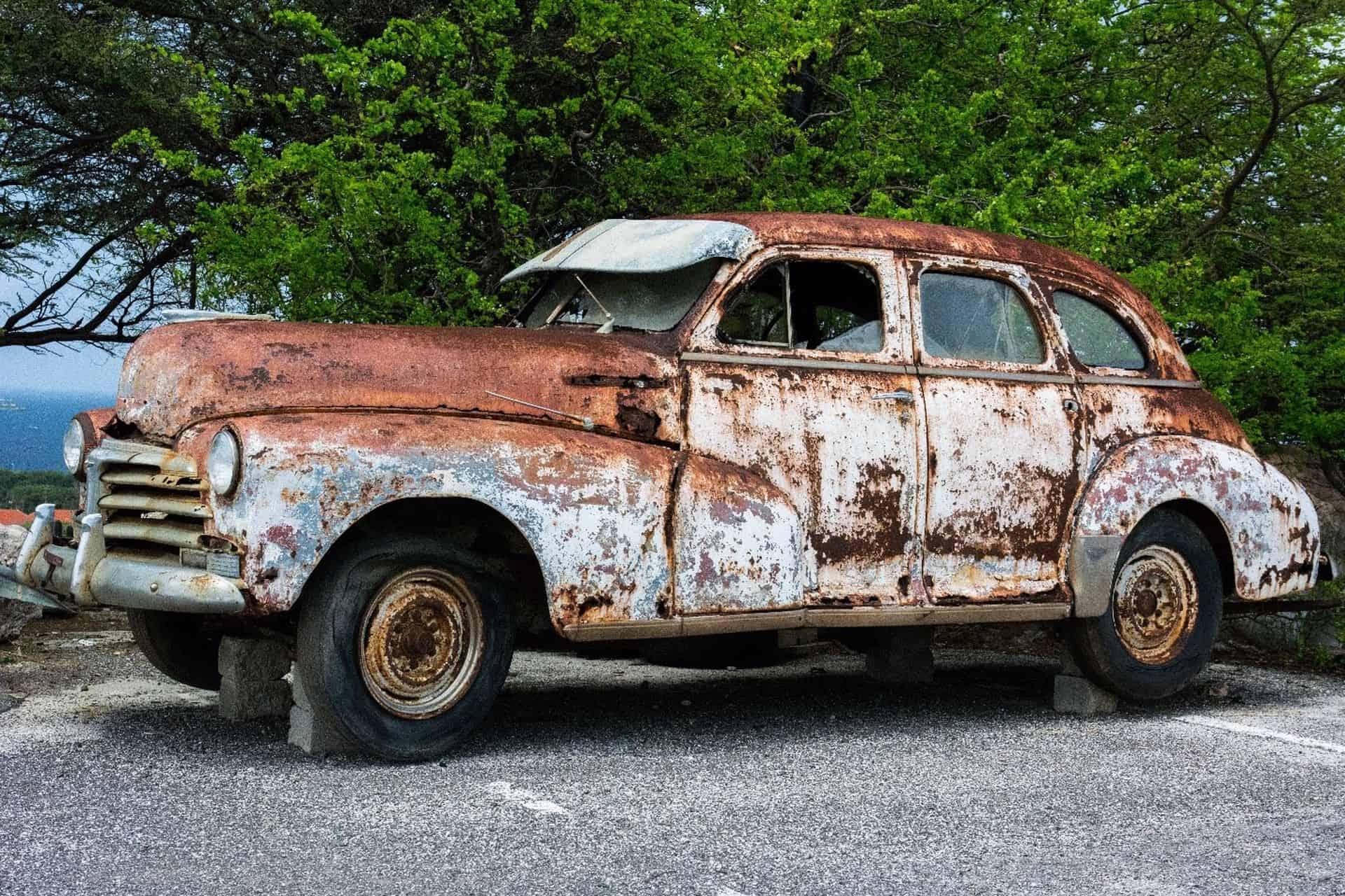 Park edilmiş araba